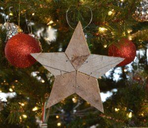 maradék faanyag karácsonyi dekoráció készítéséhez